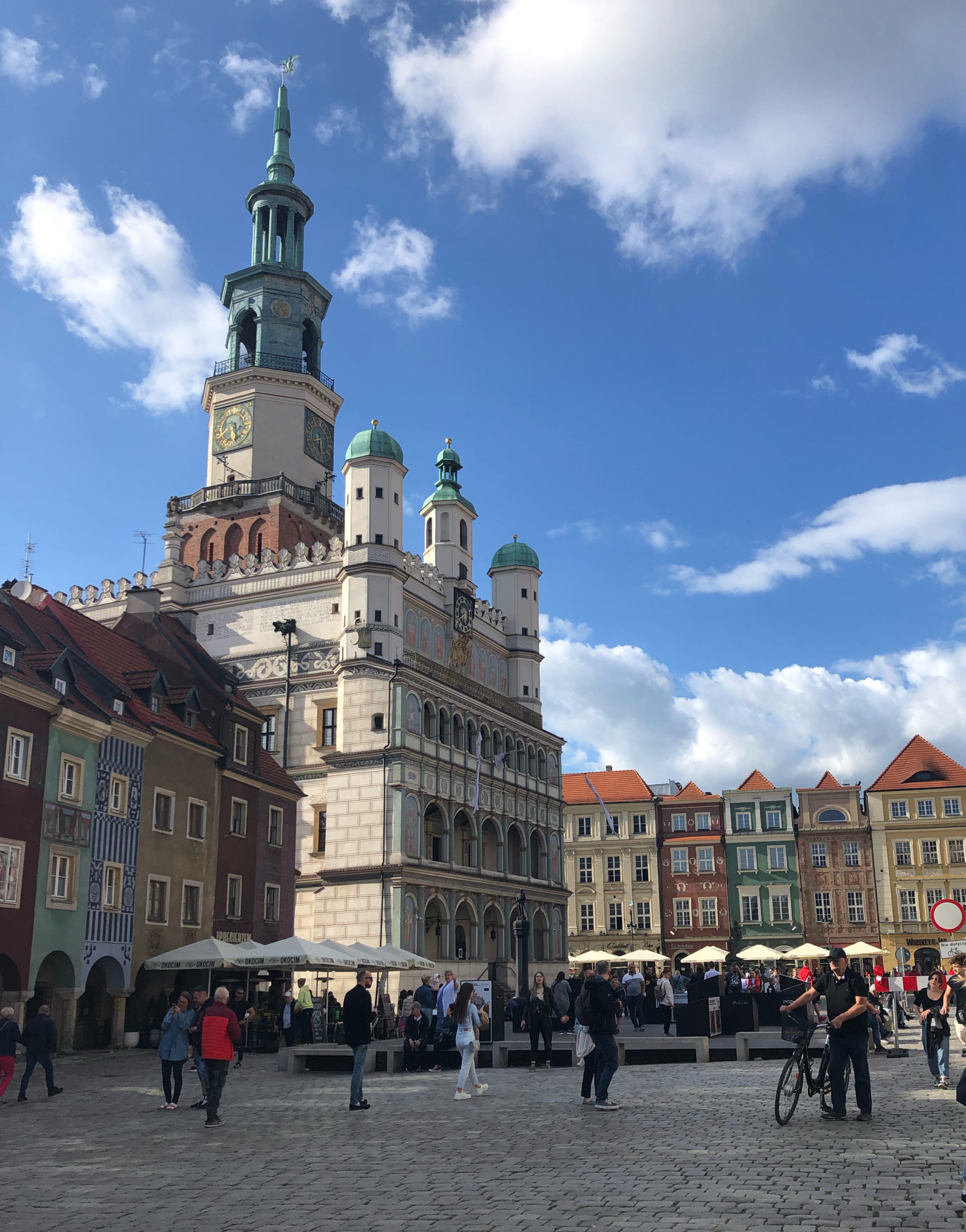 Poznan City Hall. The original structures dates from the 13th century, the present facade was completed in 1560. | Vinci