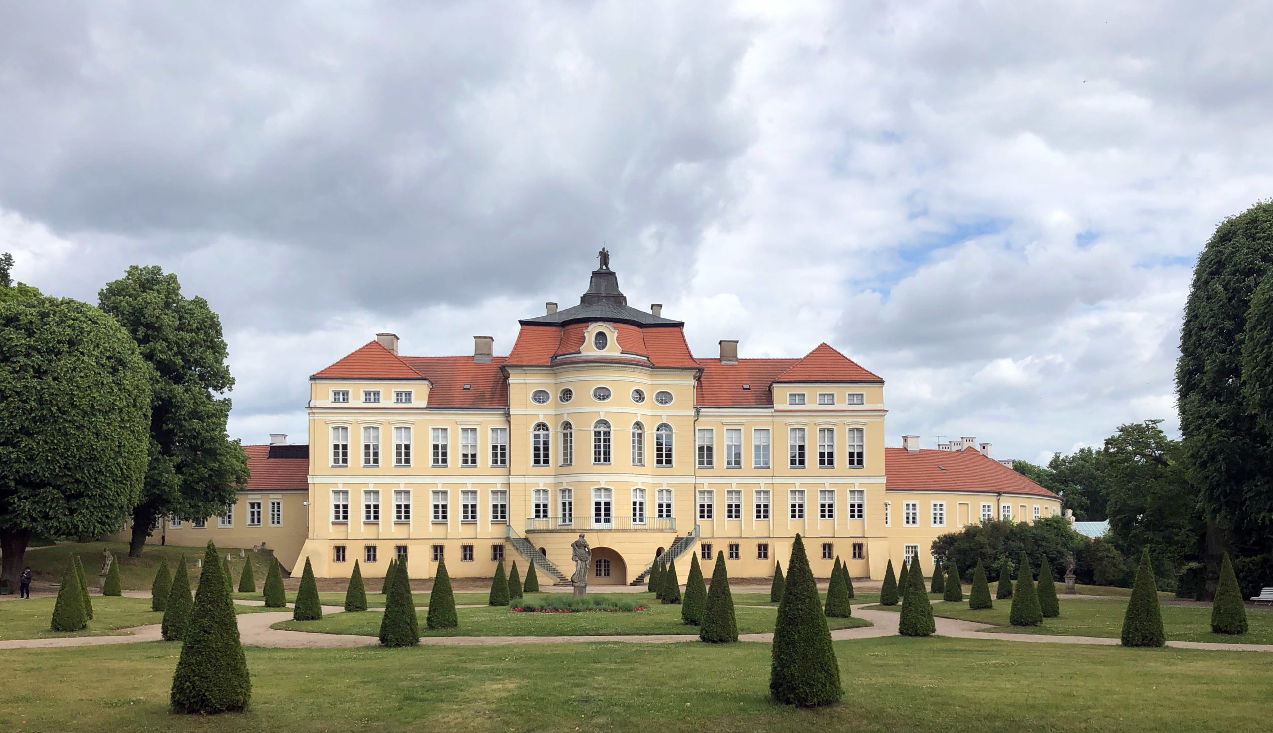 Raczynski's Palace, completed in 1776 | Vinci
